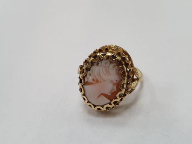 Złota kamea! Wyjątkowy złoty pierścionek/ 750/ 6.08 gram/ R18/ Gdynia