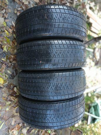 Резина на toyota prado 120 gripmax 265,*60*r18 зимняя