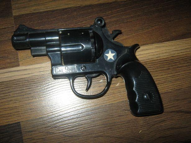 Револьвер, СССР, пластик.