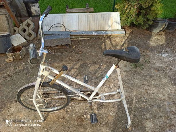 Zabytkowy romet, rower stacjonarny