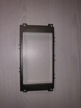 Рамка Ford Focus 2 для магнитолы 7 дюймов