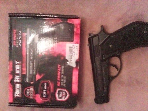 Pistola de pressão de ar semi nova em caixa.