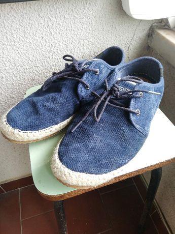 Sapatos Skechers e Coronel Tapioca