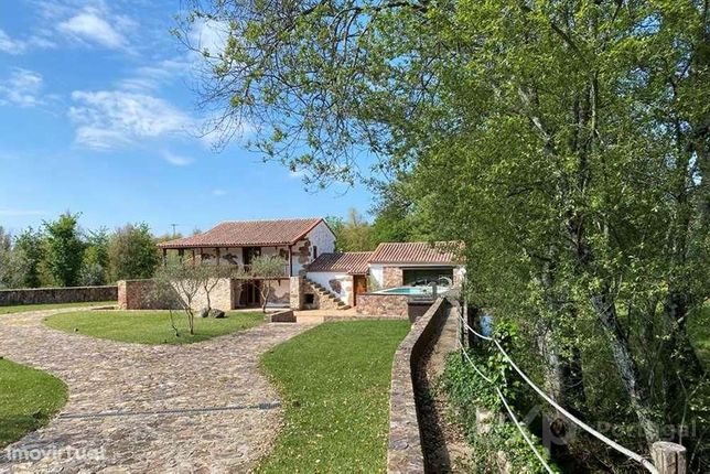 4 Bedroom Renovated Water Mill