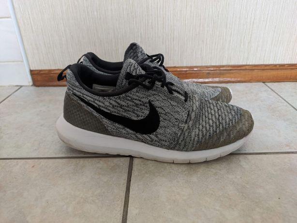 Кроссовки Nike 27 см стелька 42.5 оригиналы