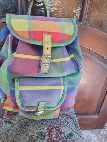 Школьный Рюкзак Deakins , б/у, в хорошем состоянии, размер 32*38*15см.