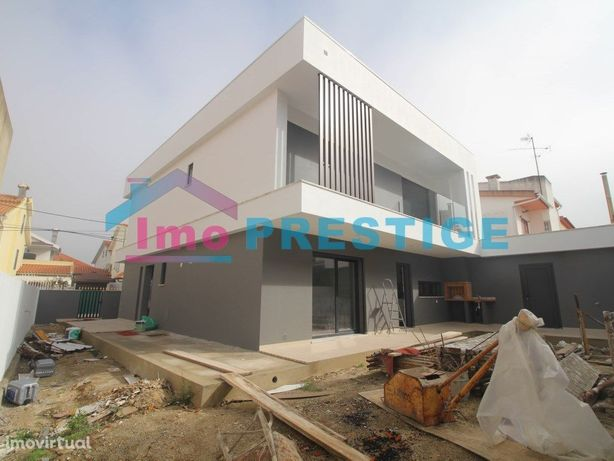 Moradia Nova T4 - Arquitetura Moderna - Charnequinha - Amora