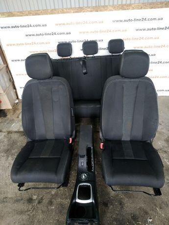 Сиденья сидушки диван двери карты салон подлокотник Renault Megane 3