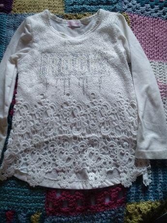 Продам нарядную блузку для девочки 5-7 лет