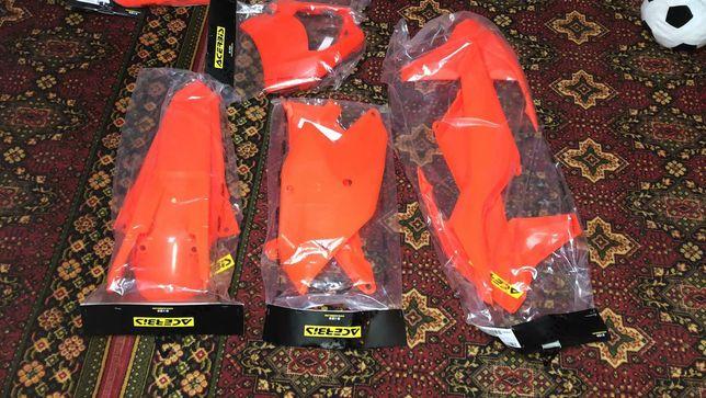 Продам пластик до KTM exc450f. 19р