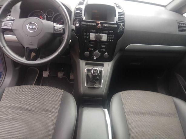 Opel Zafira 2009 Cosmo 1.9 110 kWt