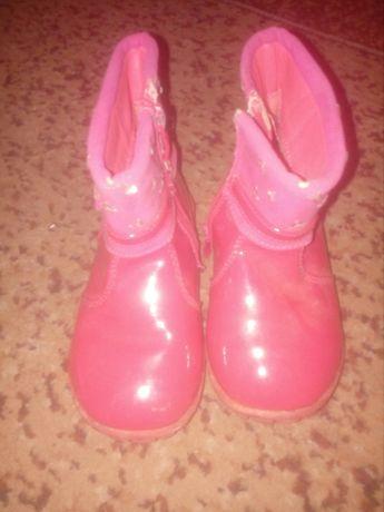 Продам чобітки на дівчинку.
