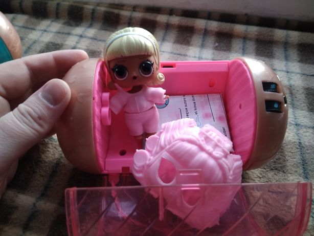 Игрушка капсула LOL девочка в розовом