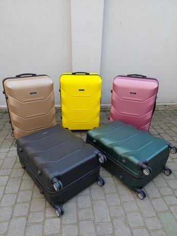 CARBON  X  Німеччина валізи чемодани сумки на колесах