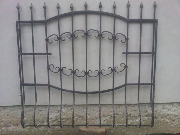 Продам металеві решітки на вікна.