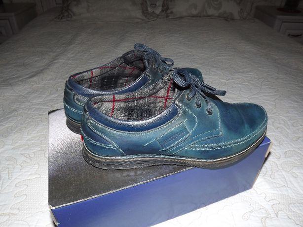 Качественные кожаные туфли Bistfor с утепленной фланелевой подкладкой.