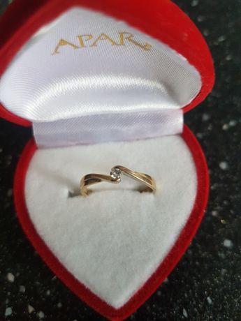 złoty pierścionek APART r. 13