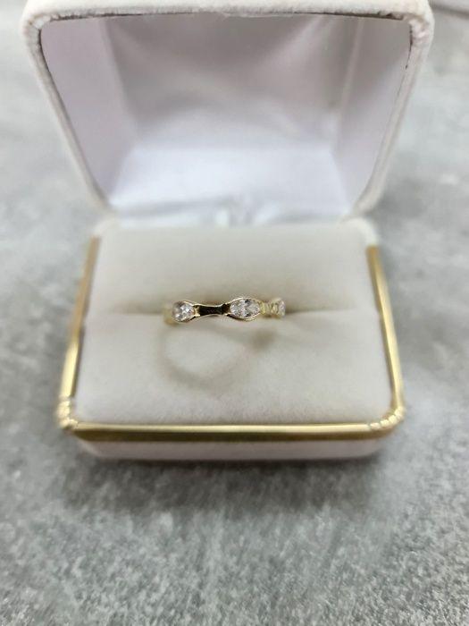 585 Piękny złoty pierścionek z cyrkoniami Końskie - image 1