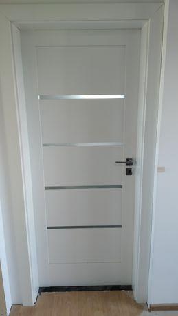 Drzwi wewnętrzne 80 lewe i prawe.