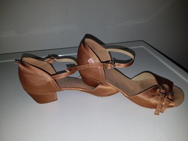 Buty do tańca towarzyskiego r.35 na klocku dla dziewczynki