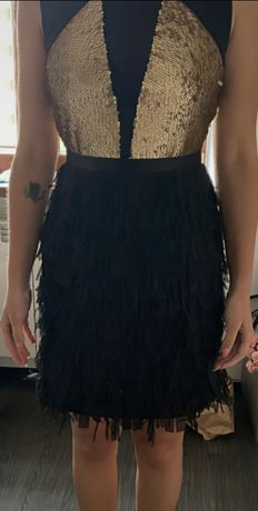 Śliczna sukienka z cekinami motiv&more