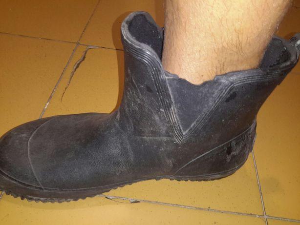 Резиновые сапоги ботинки