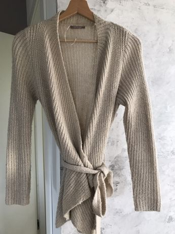Wiązany sweterek dzianinowy. Kardigan