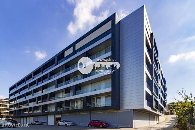 Apartamento T3 de luxo em Fraião