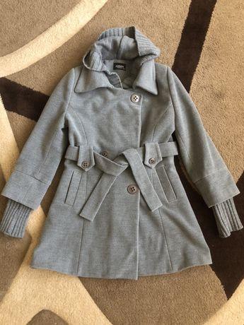 Пальто на девочку 12-13 лет