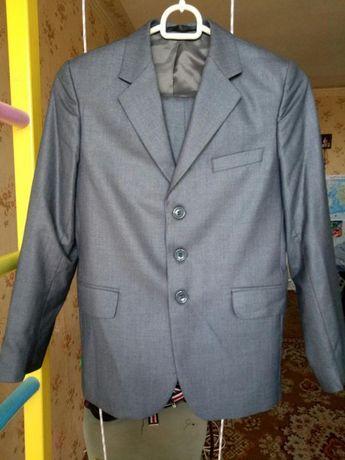 Школьный нарядный стильный модный костюм