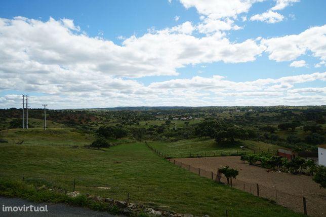 Monte para reconstruir em Almodôvar com vista soberba