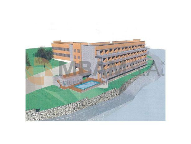 Terreno para Construção de Hotel, situado junto ao Rio Douro