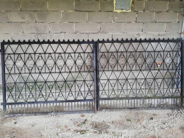 Solidna brama wjazdowa