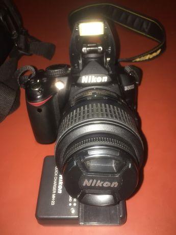 Продаю Nikon d3000