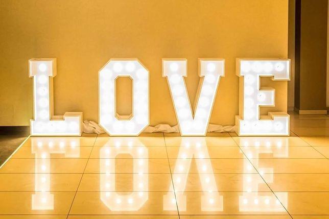Sprzedam duży napis LOVE
