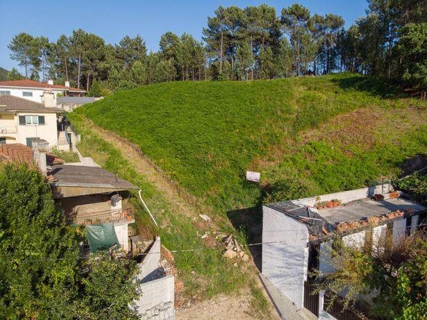 Terreno com 1838 m2 - Viabilidade de construção