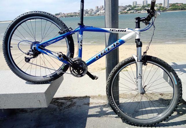3 bicicletas BTT marca Trek Orbea Galaxy