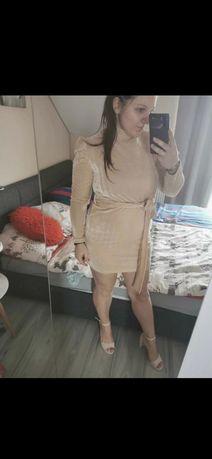Sukienka aksamitna długi rękaw