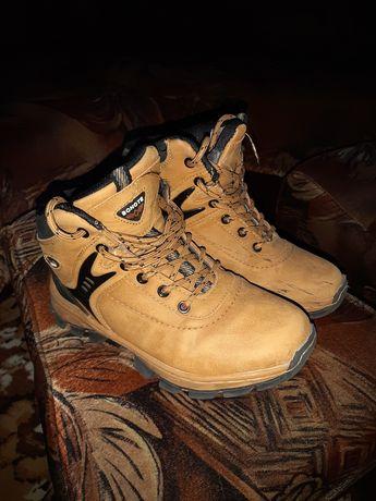 Взуття,зимове,розмір 36