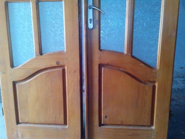 Двері вхідні деревяні