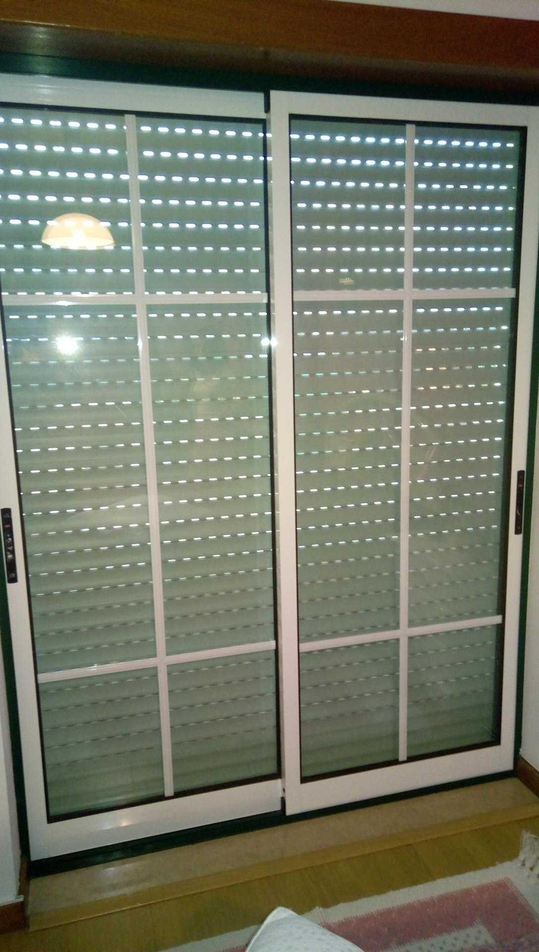 3 Portas de sacada em aluminio e vidro duplo 1.49x2.00 metros