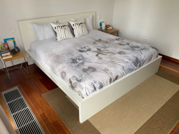 Łóżko IKEA MALM USA King size (209x211cm) i MYRBACKA materac 200x200cm