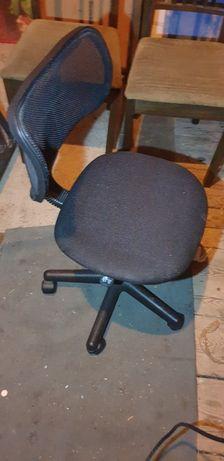 Krzesełko obrotowe do biurka