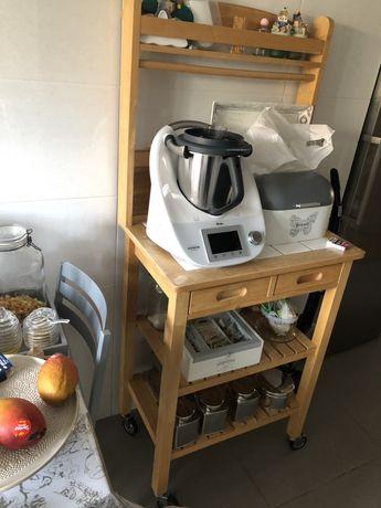 Prateleira para apoio na cozinha