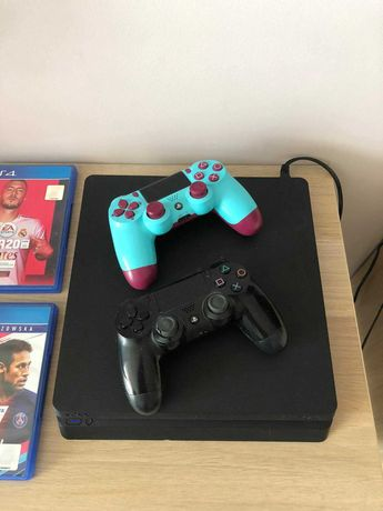 Konsola Playstation 4 Slim 1TB + 2 pady + 3 gry