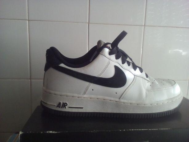Nike Air Force Branco e Preto