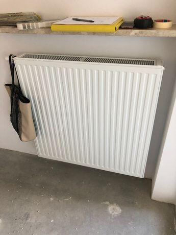 Kompletny Grzejnik z termostatem jak na zdeciu, stalowy 92/90/10 Biały