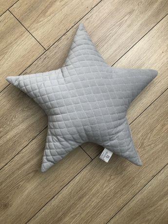 Pikowana poduszka ozdobna gwiazdka