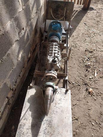 Продам дровокол з мотором