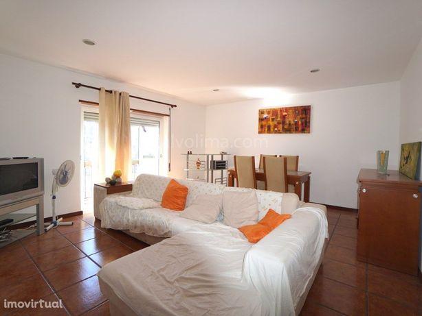Apartamento T2 com terraço para venda no centro da vila d...